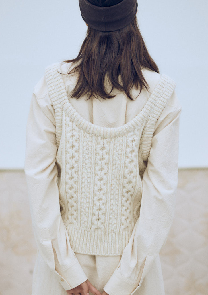 Via Cable wool knit vest_ivory
